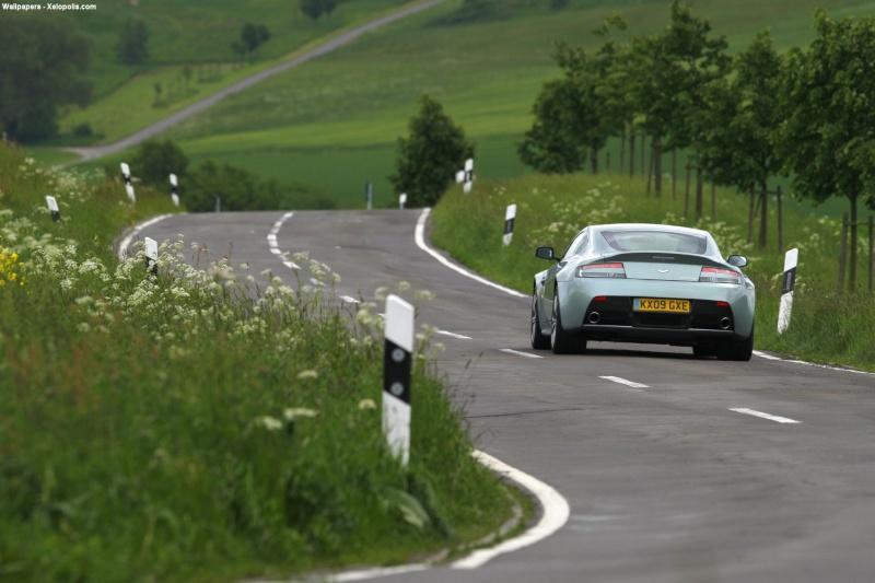 Aston Martin Conten10