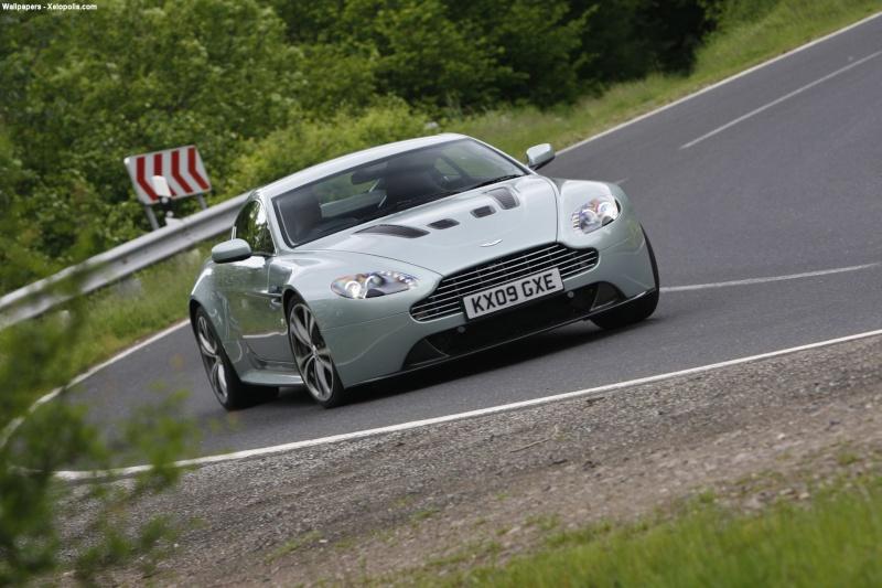 Aston Martin Conten11