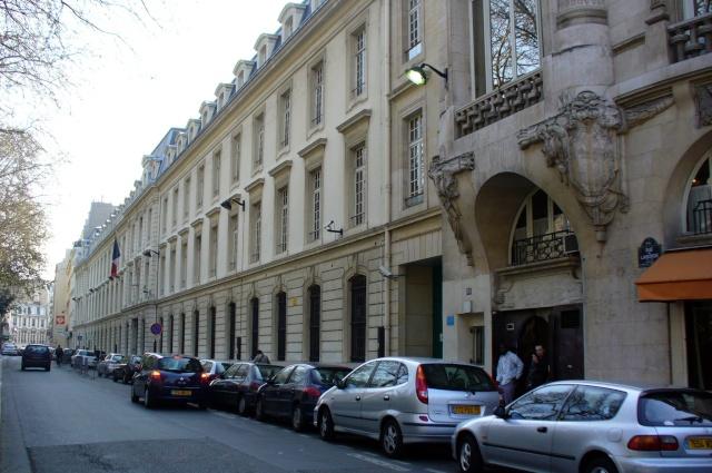 [Les états-major des ports et régions] MARINE PARIS - Page 2 P1080811