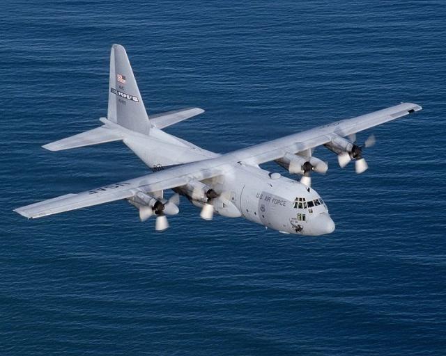 Voando através do tempo - C130 Hercules 750px-10