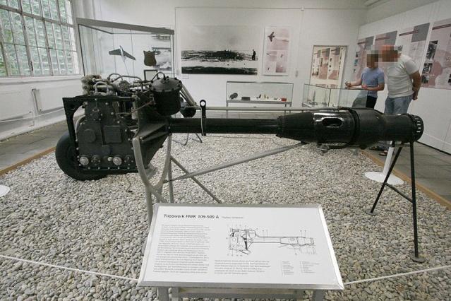 Messerschmitt Me 163 800px-10