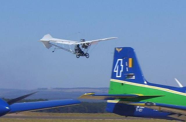 Não tenho 100 anos mais vi o 14BIS voar!!! Demois15