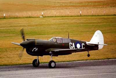 Curtiss P-40 - Página 2 P40-10