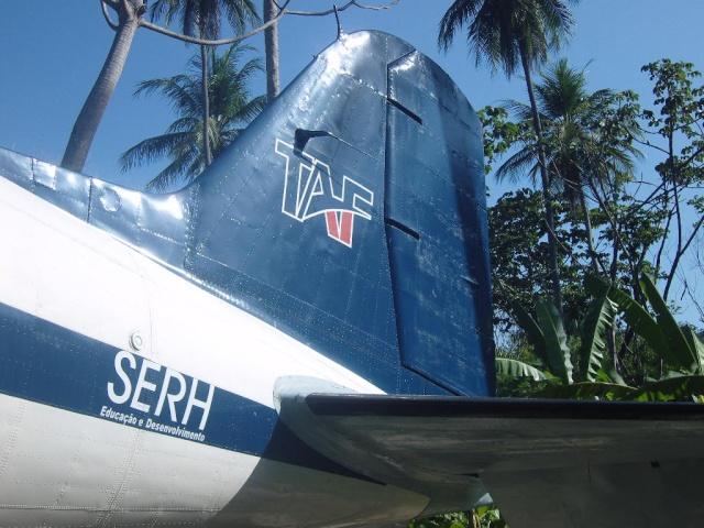 VISITE  UM DC3 EM PACATUBA - CE Pacatu28