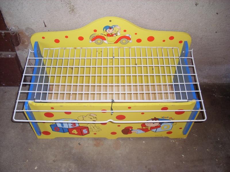 Cage avec un coffre à jouet pour enfant! Enclos10