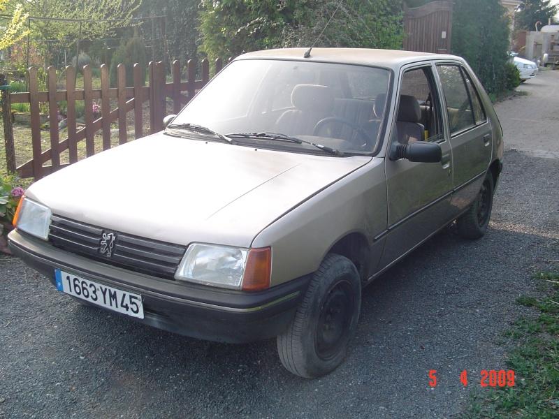 Peugeot 205 SR faible km Dsc00111