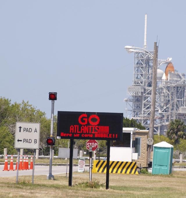 [STS-125] Atlantis : suivi du lancement (11/05/2009) - Page 10 Untitl10