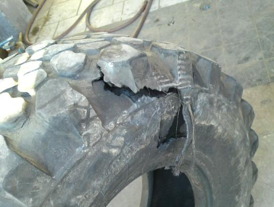 Problème Roulement / Eclatement Pneu Arrière gauche U1300L Tire110