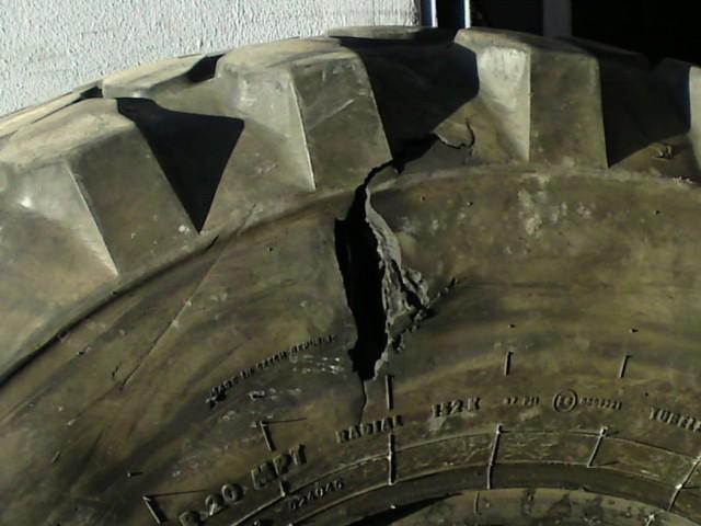 Problème Roulement / Eclatement Pneu Arrière gauche U1300L Tire210