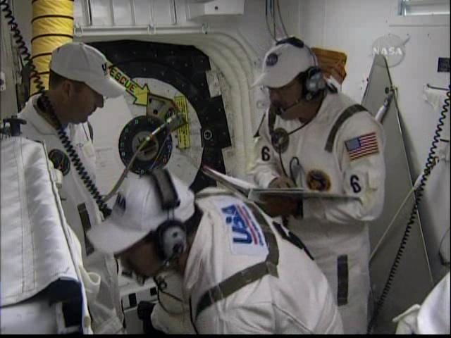[STS-127: Endeavour] Lancement : tentative 6 (15/07 à 22h03 GMT) - Page 5 Vlcsna13