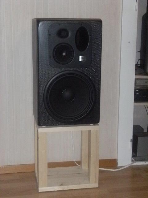 Mes studio monitor Dscf0310