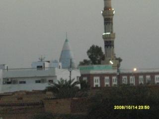 جامع وقبة الشيخ عبد القادر ودامريوم Ououso11