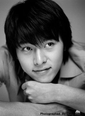 ---Hyun Bin----- 290px-10