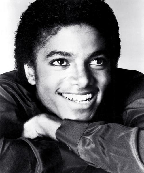 Your fav MJ Pictures ! Please post yours.. L_472810