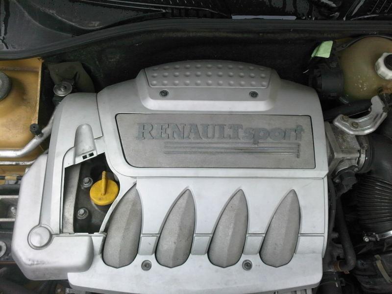 Clio RS PH 1 2l 16v (172cv) 03100910