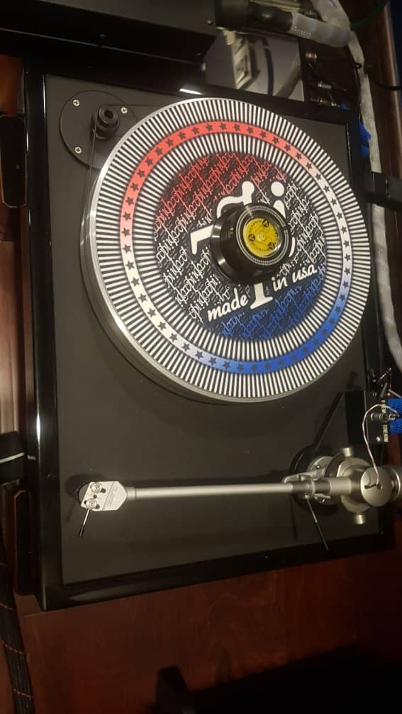 VPI Classic 1 Turntable with Trichord Delphini  mkll Phonostage A133