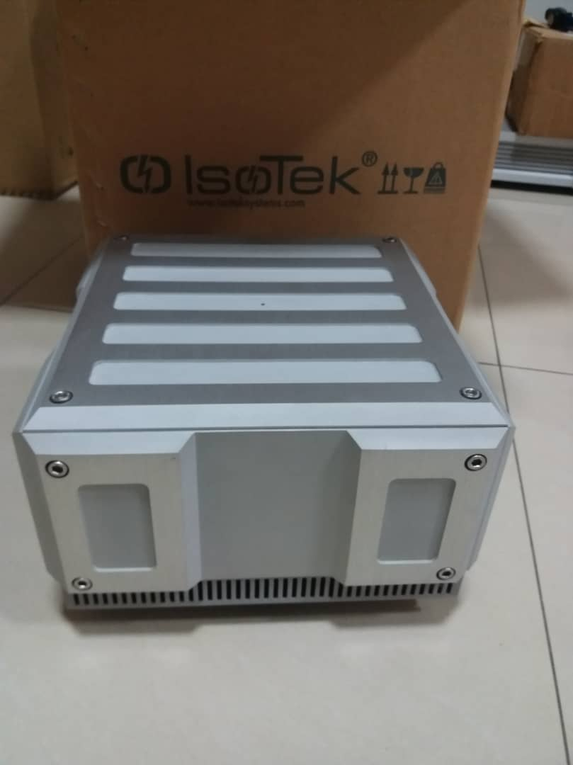 Isotek Titan Power Conditioner (High Current) A221