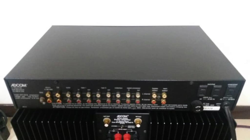 Adcom GFP 555 MK2 Preamp + Adcom GFA 555 MK2 Power Amplifier Adcom210