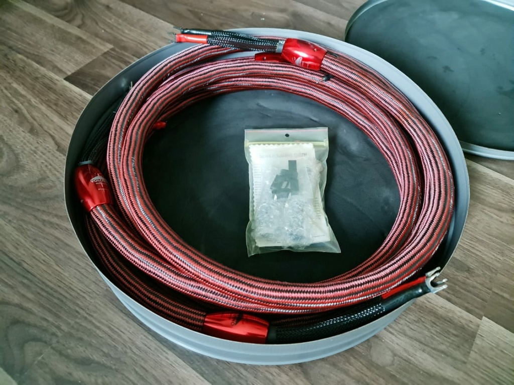 Speaker Cables & Interconnects: Transparent, ASI, Wireworld, The Chord Co, NBS, ASI, Audioquest,  etc Audioq18