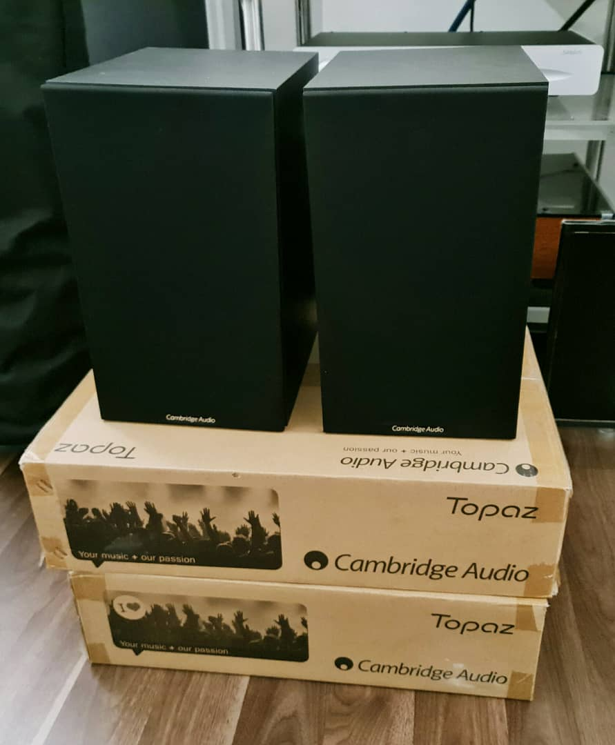 SOLD Cambridge Audio Topaz AM10 Integrated Amplifier and Cambridge Audio SX-60 Bookshelf Speakers.  Catopa10