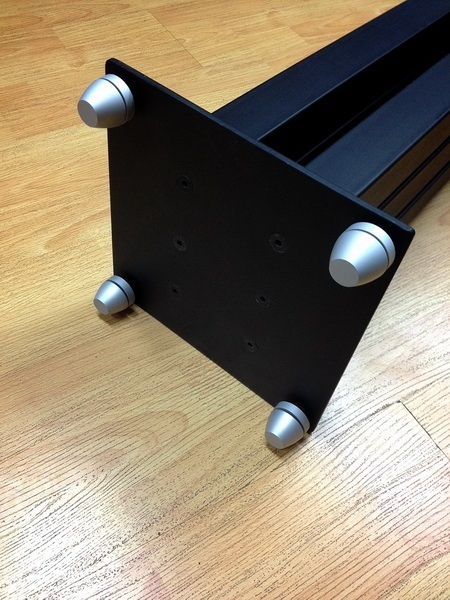 HiFi Equipment & Speakers Ball bearing Footers. Cera910
