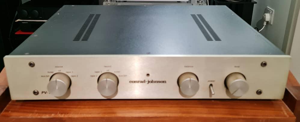 Conrad Johnson PV-12 Pre Amplifier and Conrad Johnson Premier 140 Tube Power Amplifier Cjpv1210