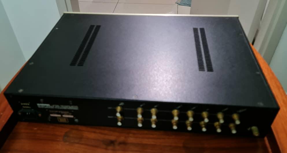 Conrad Johnson PV-12 Pre Amplifier and Conrad Johnson Premier 140 Tube Power Amplifier Cjpv1211