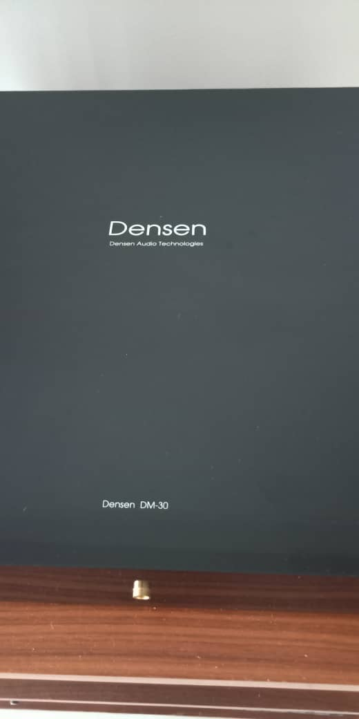 Densen DM20 & DM30 Pre-Amplifier and Dual-Mono Power Amplifier Set D512