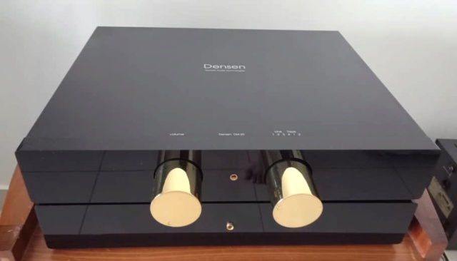 Densen DM20 & DM30 Pre-Amplifier and Dual-Mono Power Amplifier Set D710