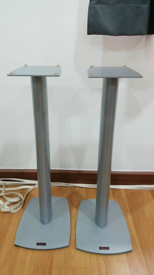 Dynaudio Speaker Stands and Surround Speakers Stands Dynaud10