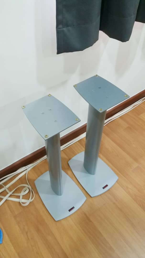 Dynaudio Speaker Stands and Surround Speakers Stands Dynaud12