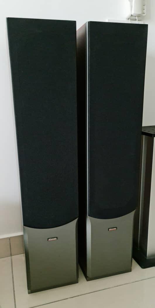 Dynaudio Audience 72 SE Floorstand Speakers + Other Items Dynaud46