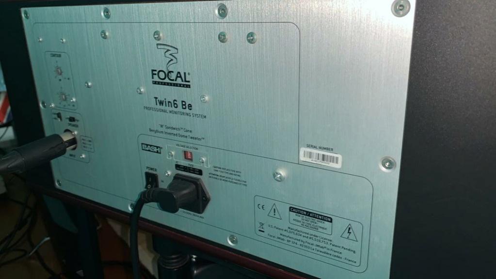 Focal Twin6 Be 6.5 inch 3-way Powered Studio Monitor (2 x 150W) Focal210