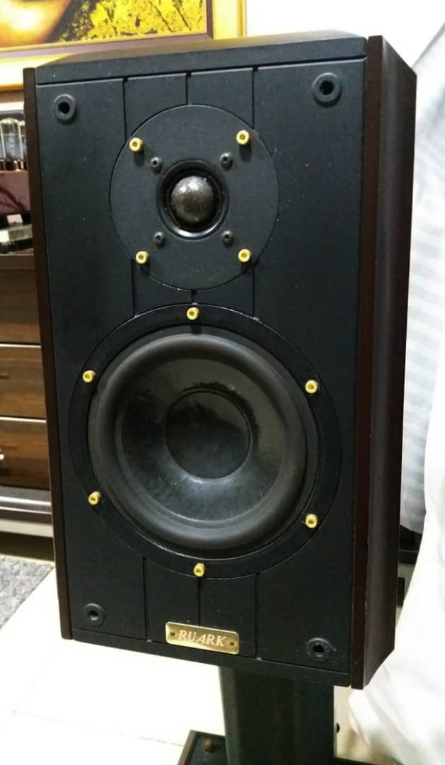 Ruark Equinox Loudspeaker With Dedicated Stands G310