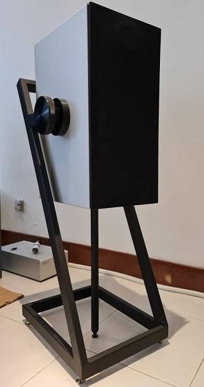 Goldmund Mimesis 11 Digital Hub / Preamplifier And Goldmund ProLogos Plus Wireless Speakers. Goldmu14
