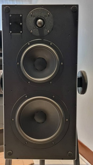 Goldmund Mimesis 11 Digital Hub / Preamplifier And Goldmund ProLogos Plus Wireless Speakers. Goldmu15