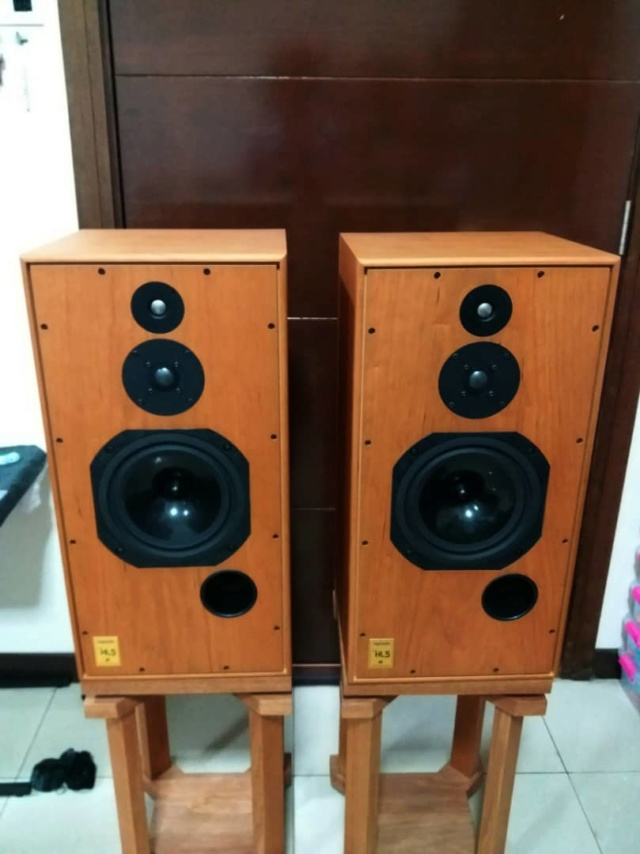 Harbeth Super HL5+ Plus  Speakers with Custom-Made Stands H119