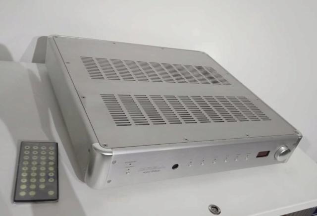 Krell KAV 280P Preamplifier  K211