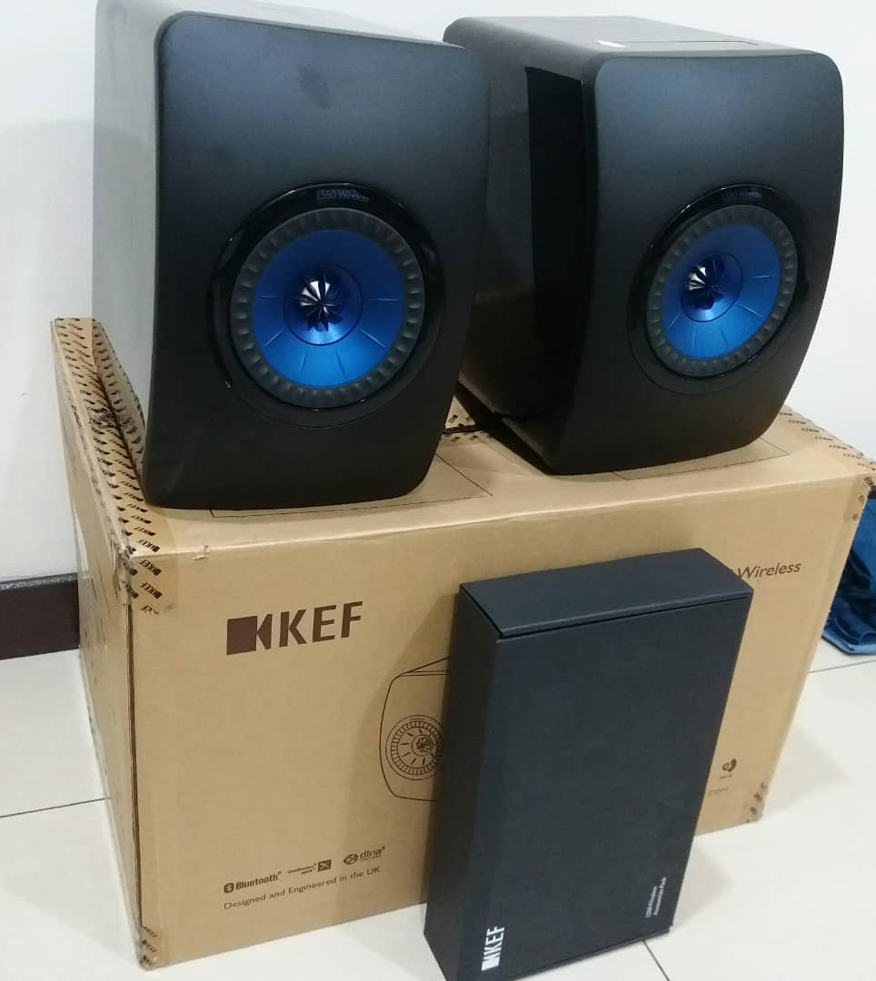 KEF LS50 Active Wireless speakers Kef210