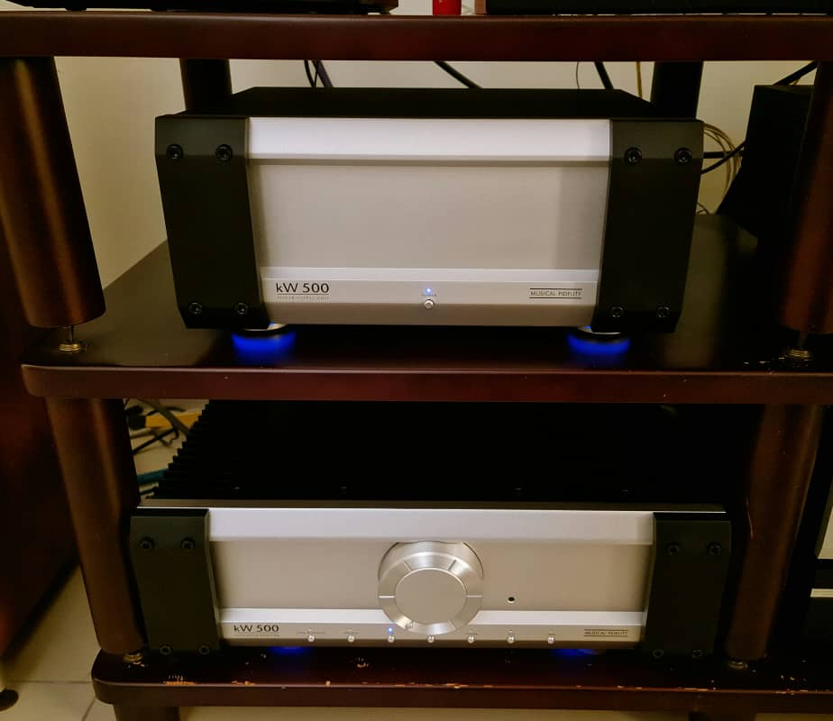 Limited Edition Musical Fidelity KW-500 Integrated Dual Mono Amplifier With External Power Supply - 500W/channel. Made in England Mfkw5011