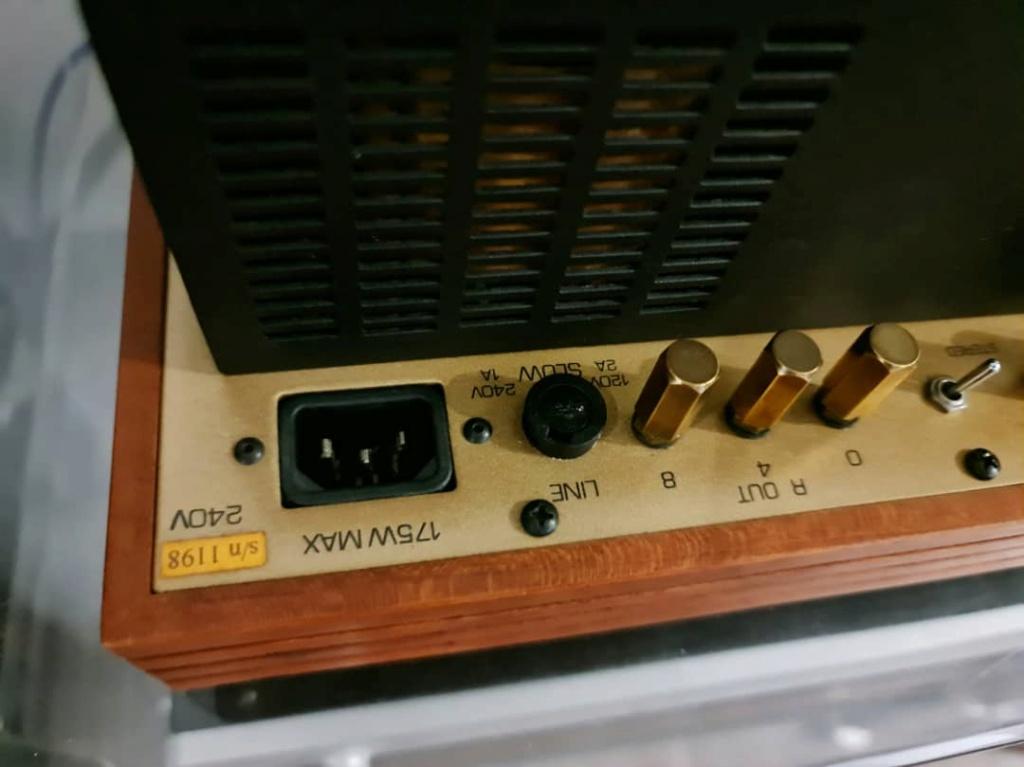 Roger Modjeski's Music Reference RM-10 Stereo Tube Power Amplifier Mr10e10