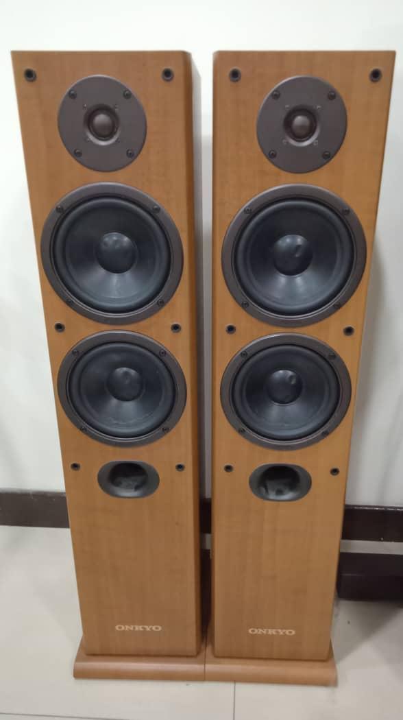 Onkyo Floorstand Speaker Model SKF 101 Onkyo210