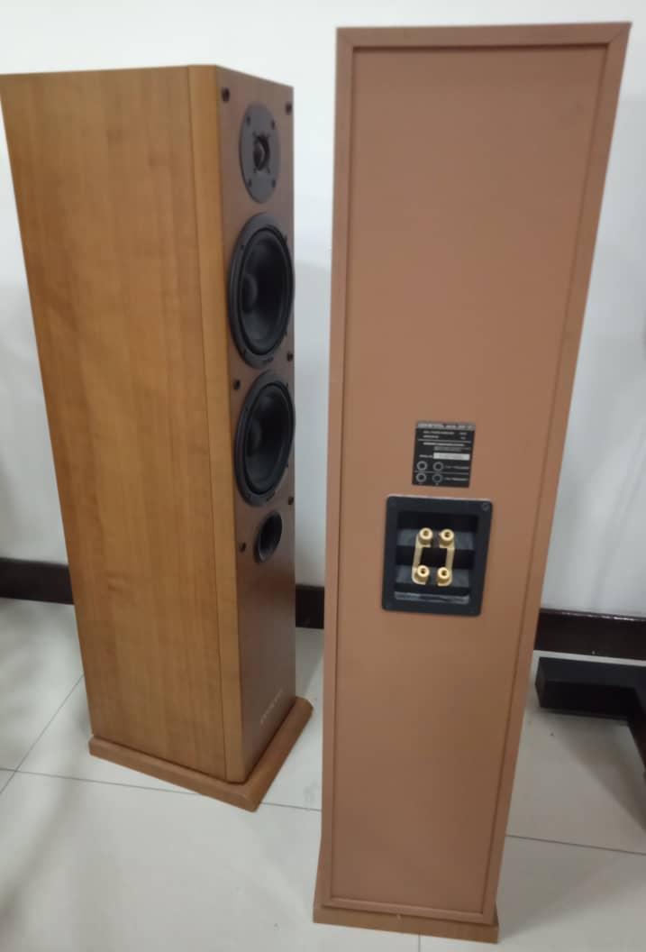Onkyo Floorstand Speaker Model SKF 101 Onkyo310
