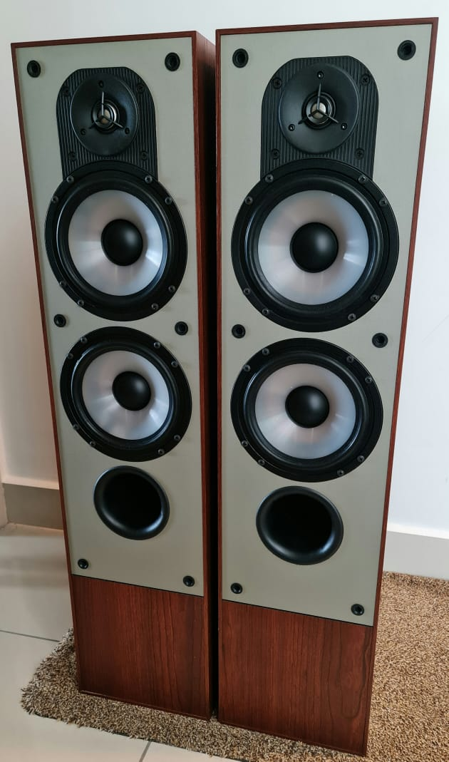 Paradigm Monitor 7 Floorstand Speakers (Made In Canada) Paradi12