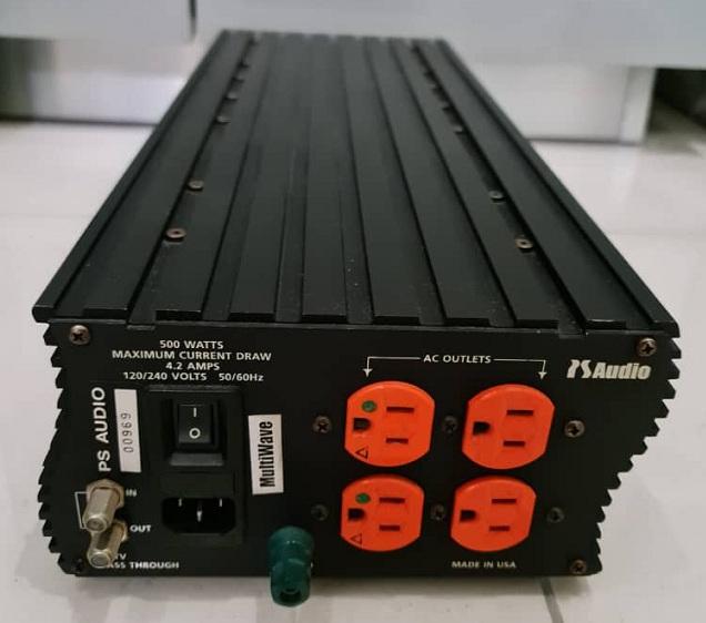SOLD PS Audio P-300 Power Plant Psaudi11