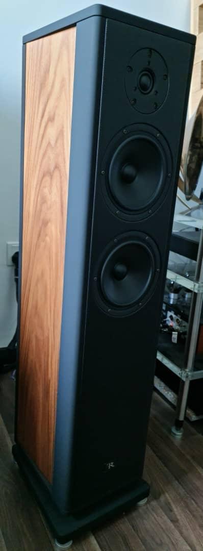 Rosso Fiorentino Elba Gen 2 Loudspeakers Rosso210