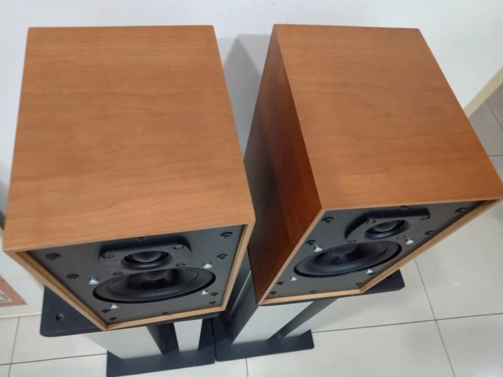 ATC SCM 7 Bookshelf Speakers S311