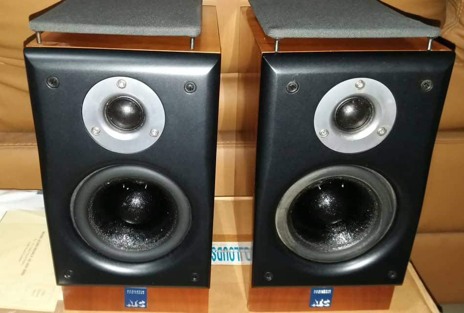 ATC SCM7 V2 Speakers Scm7b10