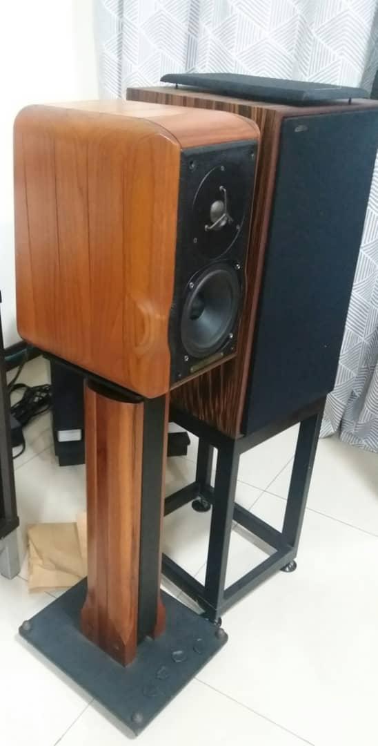 Sonus Faber Minima Amator c/w Original Sonus Faber Speaker Stand Speake17