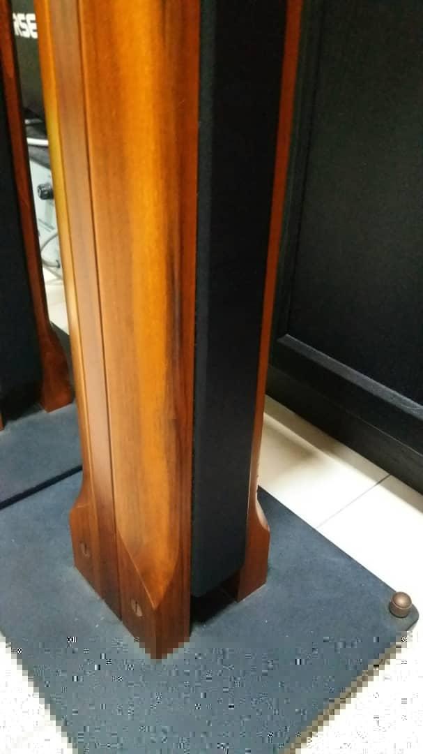 Sonus Faber Minima Amator c/w Original Sonus Faber Speaker Stand Speake22